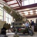 SCUD-raketiheitja ja ajalooline motikas Littlefieldi garaažis.