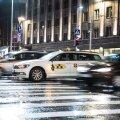 Vabaduse Väljakul jäi inimene takso alla