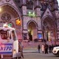 New Yorgis tappis politsei katedraali trepil tule avanud mehe