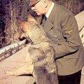 Loomade ja kõigi teiste sõber: Diktaator Adolf Hitler, nagu teda rahvale paista lasti. repro