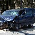 Mai keskel juhtus Tallinna kesklinnas õnnetus, kus kehtiva liikluskindlustuseta BMW juhi süül sai vigastada 14 inimest ja remonti vajab ka sõiduauto Mercedez-Benz.