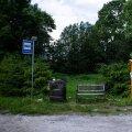 Kes Visklas bussi pealt maha astub, näeb kohe, et päris tavalise külaga tegemist pole.