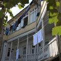 REISIVIDEO   Aastasajad on Tbilisi vanalinna räsinud, kuid võluvaid hooneid leidub seal küllaga