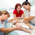 MEDÕDESID ON PUUDU: Pildil TÜ kliinikumi lastekirurgia osakonna õed tööhoos.