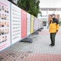 KEDA VÕTTA, KEDA JÄTTA: Vanahärra uurib Helsingis kohalike omavalitsuste valimiste kandidaate. Valimised toimuvad Soomes 13. juunil.