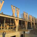 Palmako liimpuidust talad emafirma Lemeksi peahoone ehitusel Tartus.
