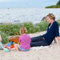 Linda ja Emily ema Maiken tunneb, et emadel lasub surve olla õnnelik. Fotod: Ingrid Tsirel, Lauri Kulpsoo