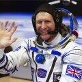 """""""Hallo, kas planeet Maa kuuldel?"""" Briti astronaut helistas kosmosejaamast kogemata valele telefoninumbrile"""