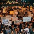 """VIDEO ja FOTOD: """"Mitte minu president"""": tuhanded inimesed jätkasid USA-s teist õhtut Trumpi-vastaseid meeleavaldusi"""