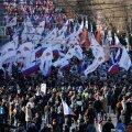 FOTOD: Kümned tuhanded inimesed tulid Moskva tänavatele Nemtsovi meenutama