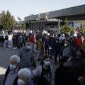 Тысячи иностранцев приехали в Сербию за бесплатной прививкой от COVID-19