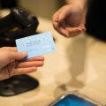 Клиенты всех банков теперь могут снимать наличные в магазинах Alexela