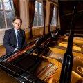 Tulemusrikas tegutseja Indrek Laul on Estonia klaverid viinud maailmatasemele ja ka tutvustanud neid maailmale sedavõrd edukalt, et nüüd on nõudlus nende järele isegi suurem, kui tema vabrik toota suudab.