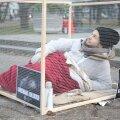 DELFI FOTOD: Loomaõiguslane sulges ennast kuueks tunniks rebasepuuri