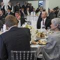2015. aasta lõpus Venemaal käinud Michael Flynn paigutati istuma Vladimir Putini kõrvale.