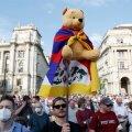 Winny Puhhi kujutis meeleavaldusel viitab Hiina juhile Xi Jinpingile, kes on enda Puhhiga võrdlemise pärast Disney filmi Hiinas keelustanud.