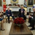 VIDEOD | Trump nääkles Ovaalkabinetis demokraatidega ja lubas nn tööseisakut
