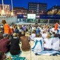 Vabaduse väljakul Holland-Argentiina mängu vaatamine