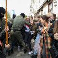 FOTOD ja VIDEO | Valgevene võimud pidasid jõulist taktikat kasutades kinni kümneid protestivaid naisi