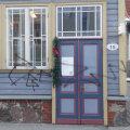 FOTOD | Tänavakunstnikud ehivad nii Karlova linnaosa kui ka Põhja-Tallinna linnaosa valitsust, kahju ulatub kuni 10 000 euroni