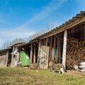Kui tegemist on mitteelamuga nagu garaaž või muu selline ehitis, on vaja esitada ehitusteatis.