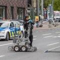 Pommirühm eile linnavalitsuse juures, liiklus tuli ajutiselt sulgeda.