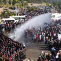 VIDEO   Myanmaris kasutas politsei tuhandete streikijate vastu veekahurit