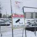FOTOD SÜNDMUSKOHALT | Peep Talvingut rünnati eraparklas. Politseile oli abimeheks sealse kaamera salvestis