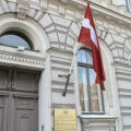 Läti prokuratuur otsustas lapseröövis süüdistatavat naist hoopis ise Taanilt välja nõuda