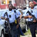 VIDEOD nagu märulifilmist | USA-s Philadelphias sai kuus politseinikku tulevahetuses haavata