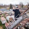 Vanatehnika varjupaigast saab parima ülevaate kõrgelt. MTÜ Järva-Jaani Tuletõrje Selts eestvedaja Tuve Kärner just iga päev redeli otsa ei roni, sest ta teab peast, kus miski asub.