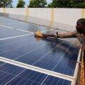 Päikesepaneelid võimaldaksid paljudele aafriklastele ligipääsu elektrile, kuid praegu on Mustale mandrile paigutatud vaid 1% kogu maailma päikesepaneelide tootmisvõimsusest.