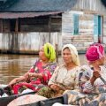 Jõgi: Indoneesias nii maantee kui vannituba. (Berit Renser)