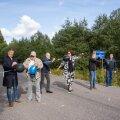 Metsküla külaselts tänas Metsküla tee tolmuvabaks ehitamisele kaasa aidanuid augustis meeleoluka tänuüritusega, mis algas tee piduliku avamisega.