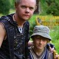 Saba nimel! Enne järjekordset riugast vannuvad võlurkass Nitram (Ott Sepp) ja koolipoiss Martin (Madis Ollikainen) teineteisele sõprust.