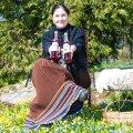 Maria Kaljuste valmistab nüüd lisaks maitseäädikatele ja siirupitele ka veine.
