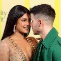 FOTOD | Vapustavalt kaunis ja eriline: näitleja Priyanka Chopra avaldas pulma-aastapäeval seninägemata pulmapidid