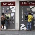 Küpros vajab abi nii Kreeka kriisi tõttu raskustes olevate pankade päästmiseks kui ka riigivõla tasumiseks.