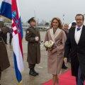 DELFI FOTOD ZAGREBIST: President Ilves ja Ieva Ilves jõudsid Horvaatiasse, kus tänavatel lehvivad Eesti lipud