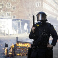 Taani politseinik pärast seda, kui koraani hävitamine parempoolse poliitiku poolt vallandas rahutused