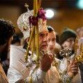 DELFI FOTOD: Õigeusklikud tähistasid Narvas ülestõusmispühi