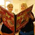 Eesti Lastekirjanduse Keskuse arendusjuht Anneli Kengsepp ja programmijuht Katrin Tõnisson on rahul, et laste lemmikraamatute loetelu on rõõmustavalt mitmekesine.