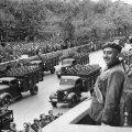 Diktaator Franco inspekteerimas oma väge. https://www.kingsacademy.com/mhodges