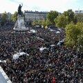 ФОТО   Во Франции тысячи вышли на митинги в память об убитом чеченцем учителе