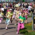 Eestis võivad tüdrukud end jooksurajal rahulikult tunda, poisid nende mängumaale ei tüki. Rootsis küll.