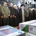 VIDEO   Iraani kõrgeim juht palvetas nuttes USA tapetud kindral Soleimani sarga kohal
