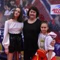 Елена Вяльбе с дочерями Полиной и Ангелиной