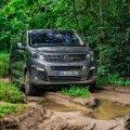 Opel Zafira Life 4x4 võimaldab metsa alt seeni otsida sõidukist väljumata.