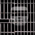 Террор из-за решетки: насильник завербовал убийцу для преследования своей жертвы и свидетелей преступления