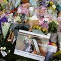 David Amess oli rahva seas väga armastatud ja tema mõrvapaigale toodi palju lilli.